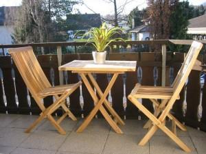 Záhradný nábytok z teakového dreva